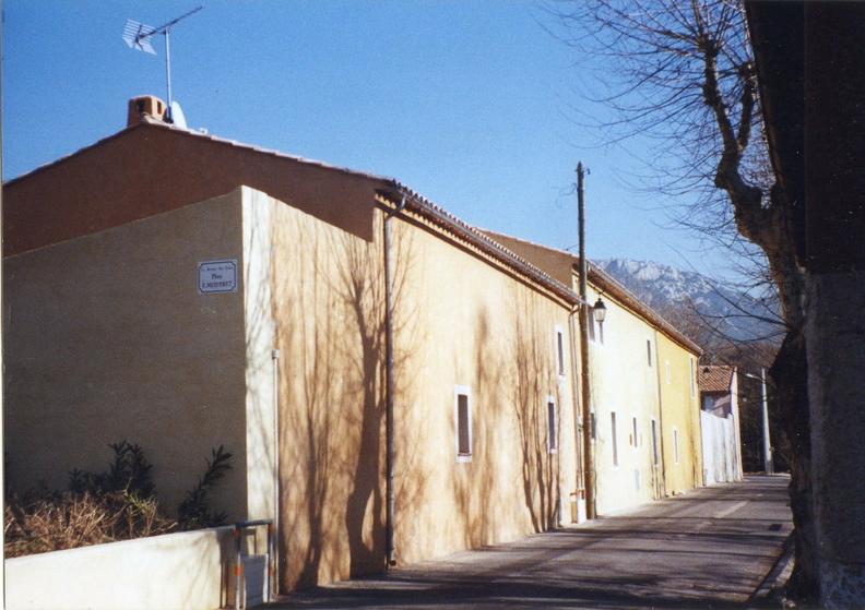 L'enclos des forges en 2010, avant la fresque murale - photo René Vernet