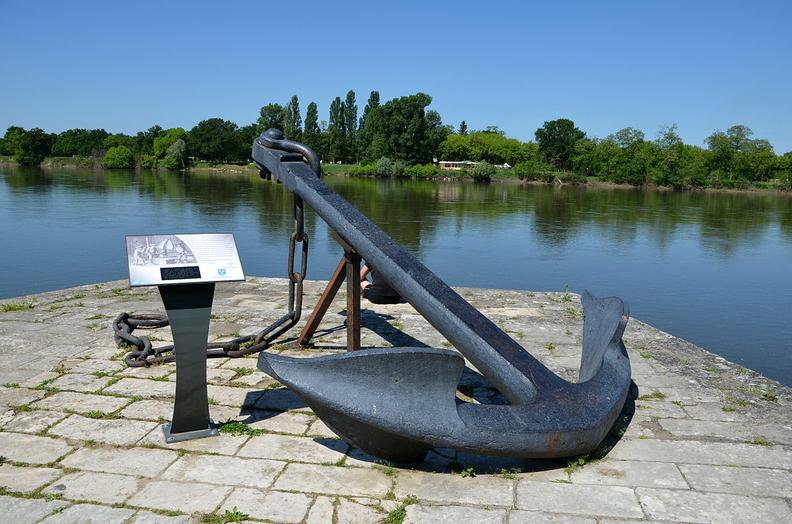 Ancre de Cosne trouvée dans le port de Rochefort